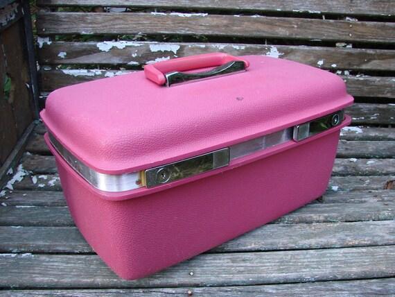 VIntage 1970s Era Samsonite HOT PINK Train Case Suitcase Overnight Bag Luggage