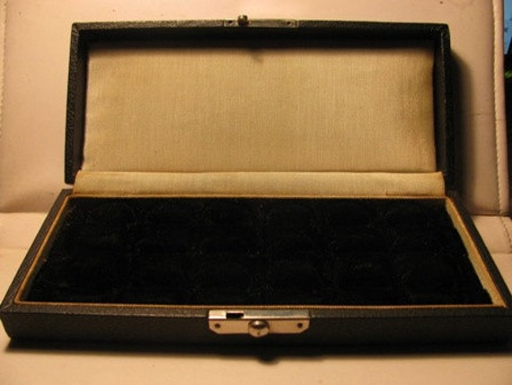 Vintage Diamond Ring Display Case, Snap Closure, Retail Jewelry Case