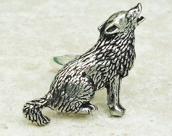 Wolf Ring. Antiqued Pewter Silver Plated Ring