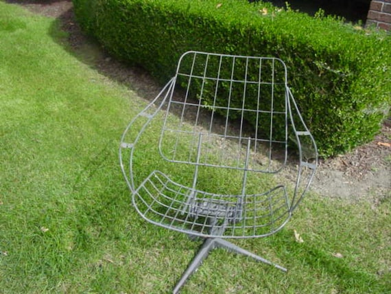 One Vintage Eames Era Mid Century Modern  Wire Lawn Chair Reduced RESERVED for Sarah
