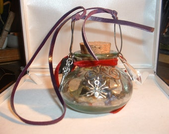 Welsh Witch Itsy Bitsy Spider Bottle of Resilience