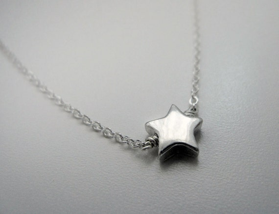 Tiny Silver Star Necklace / Small Sterling Silver Star Necklace / Dainty Everyday Jewelry