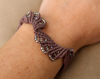 Hemp Macrame Bracelet with Iridescent Glass - Hippie Bohemian Natural