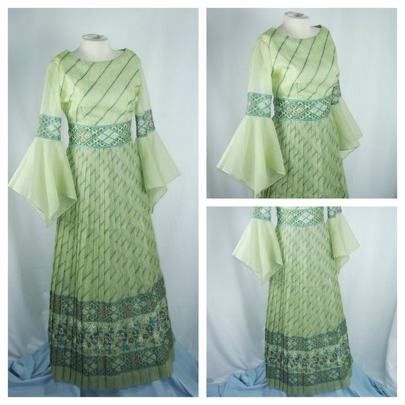 Alfred Shaheen Hawaii Print 60s 70s Maxi Pleated Dress Vintage Clothing