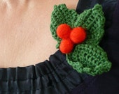 Christmas Holly berry brooch decoration felted crochet 3 green leaves red berries wool gift eco decor winter wreath Europe favor mistletoe