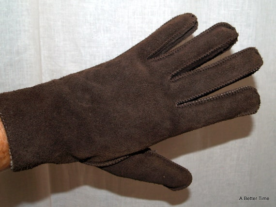Brown suede gloves by Finale