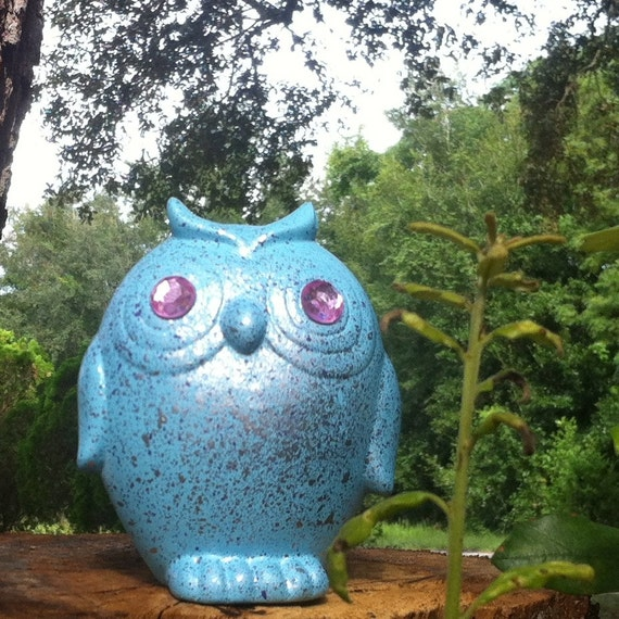 FREE Aqua Owl with Pink Gem Eyes