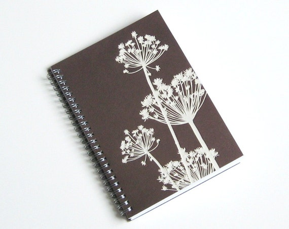 Large Coupon Organizer with 14 Pockets - Pre Printed Labels Included - Brown Queen Annes Lace