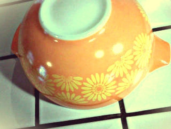 Vintage Pyrex Orange & Yellow Daisy Mixing Bowl