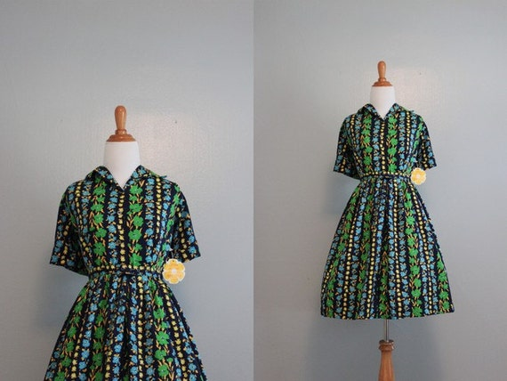 Vintage 1950s Dress / 50s 60s Dark Floral Day Dress / Unworn with Tags 50s Dress