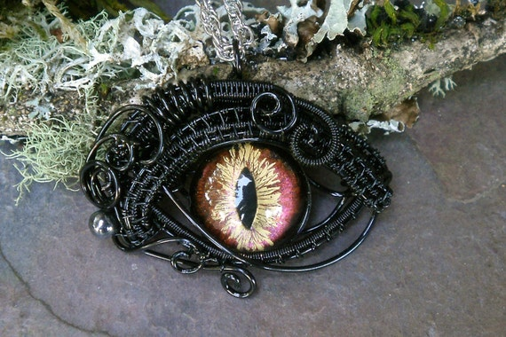 Gothic Steampunk Evil Cat Eye Pendant with Colorshift Eye