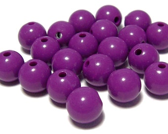 10mm Opaque acrylic plastic beads in Red Violet 20 beads