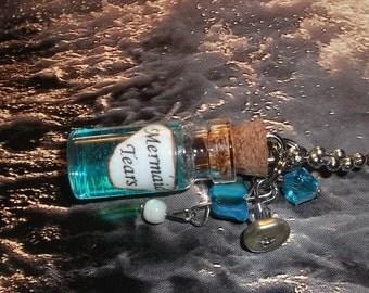 Mermaid Tears / Mini Glass Bottle Necklace / no. 160