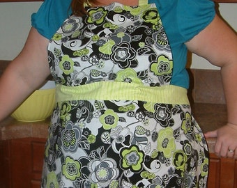 Black and Bright Green Floral Full Apron One Of A Kind Cotton Washable Baking Full Coverage Ruffle Rock' a Billy Cotton white green