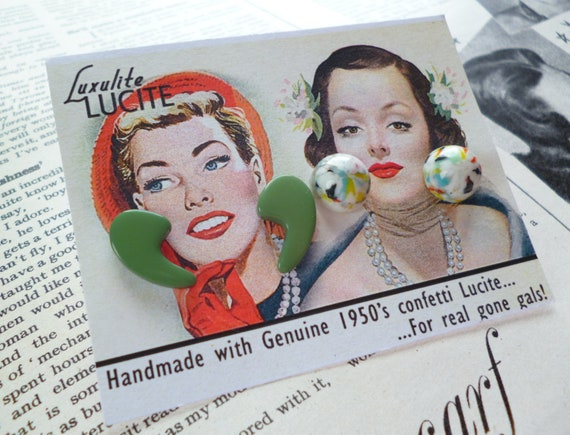 Cute mini white mottled lucite and super atomic green boomerang earrings
