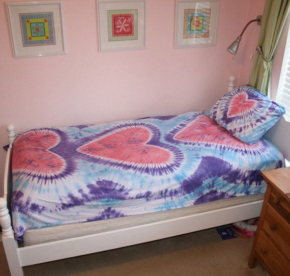 Tie Dye Twin Sheet Set in Lavender and Light Blue with Light Pink Hearts