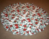 Vintage Holiday Ruffled Edge Round Tablecloth  ...  Christmas Table Topper
