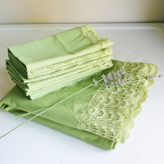 Vintage Avocado Green Tablecloth and Napkins