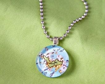 St Barts small round pendant