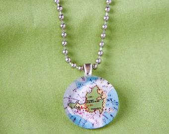 St Martin small round pendant