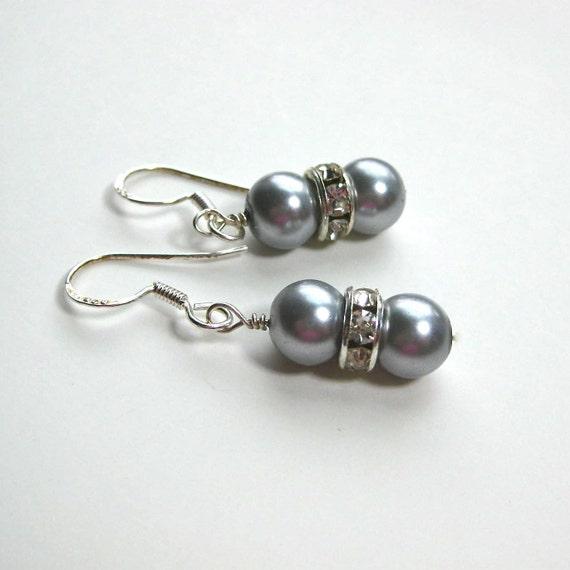 Pearl earrings in silver grey with rhinestone trims