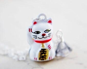 Maneki Neko Charm Necklace Lucky Cat Pendant PoleStar