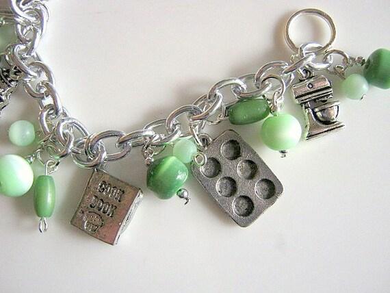 Cooking Baking Bead Charm Bracelet Green Glass