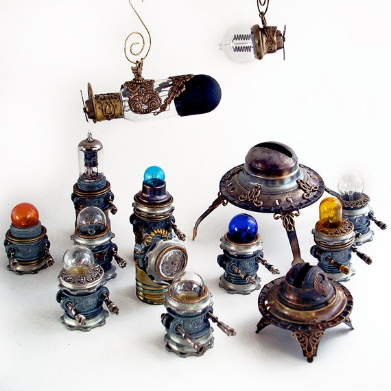 Teeny Steampunk Airship, Zeppelin, Dirigible, Robots, etc.