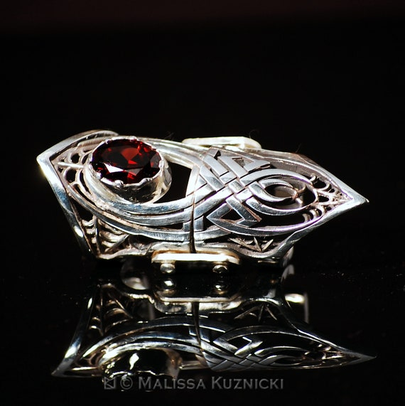 Celtic Spider Design Silver Hinged Finger Armor Ring with 7ct. Garnet