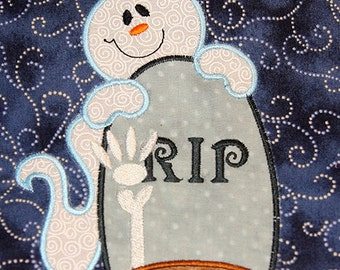 Ghost and tombstone -applique 5x7 hoop- size perfect for halloween- FUN