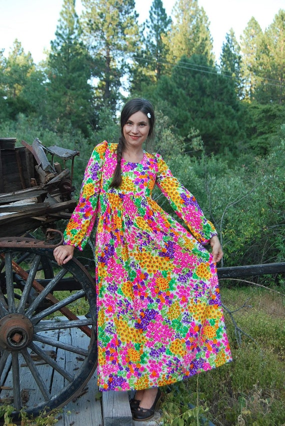 Vintage 60s Floral Maxi Dress / Smocked Empire Waist Gown