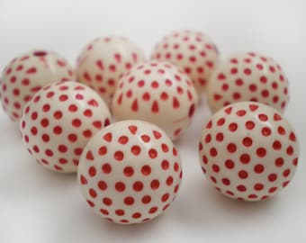 20pcs - Red Polka dot acrylic beads 10mm