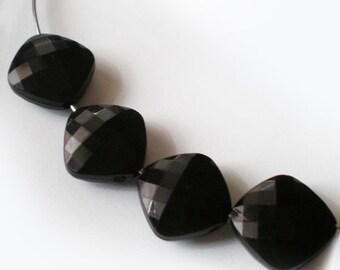 10pcs - 16mm Faceted Black Rhombus acrylic beads