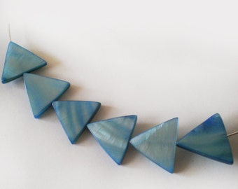 14mm Antique Blue  Mother of Pearl triangle beads 14mm  - 6pcs