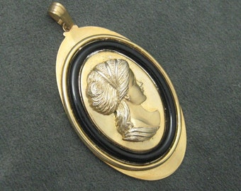 Cameo Pendant Large Cameo Vintage Jewelry  C4632