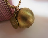 Bridesmaids Set - 5 ENGRAVED Charm Vintage Raw Brass Bubble Locket - Your Choice of Initials