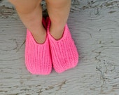 Instant Download - Crochet Pattern - Knit look Slippers (Child size 1 to Adult Woman Size 12)