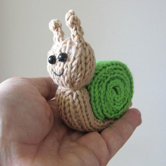 Knitting Pattern For Toy Snail : Thursday Handmade Love Week 116 ~ Snail ~ Crochet Addict UK