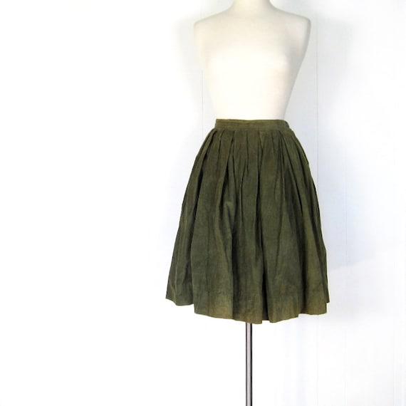 1950s Full Skirt / Olive Green Corduroy Skirt / 50s Skirt / 27W XS S / Fall Fashion
