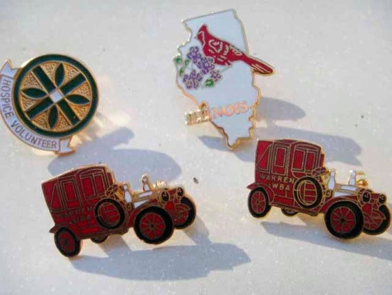 Pin button set of 4 vintage