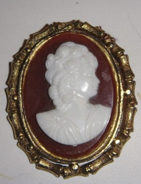 Vintage Gold Cameo amber and white