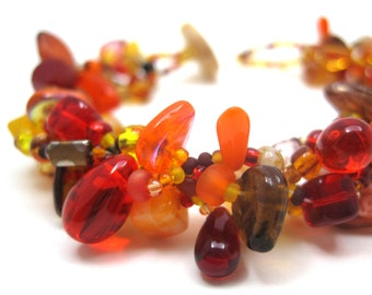 Fall Autumn Beaded Bracelet / Rock Garden Jewelry / Simple Orange Red Brown Piece by randomcreative on Etsy