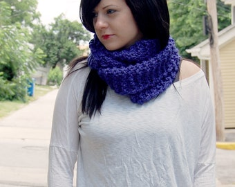 SALE - READY to SHIP - Wool Blend Infinity Scarf in Indigo // Knitted Circle Scarf // Long Blue Cowl