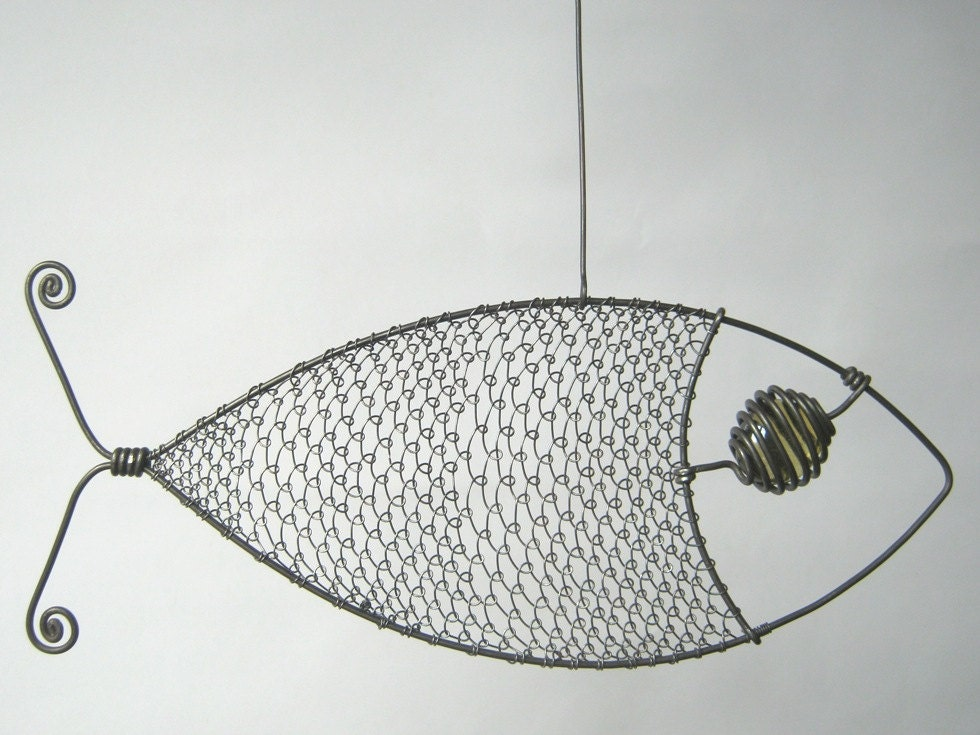 Wire sculpture yellow eyed fish