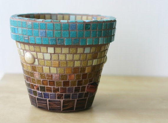 Planets - Mosaic planter with tigers eye stones