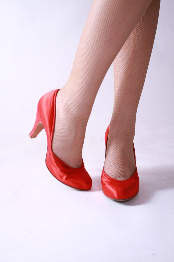 Vintage 1940s Red Satin Baby Doll Heels Pin Up Girl Perfection Size 8.5 B