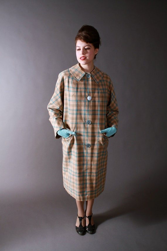 Vintage 1960s Lightweight Coat in Beige and Blue Plaid
