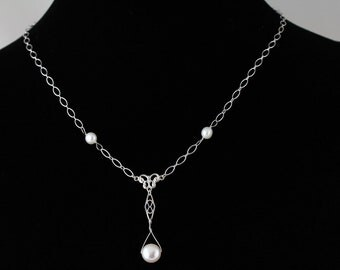 Bridal Freshwater Pearl Necklace. Listing 105271339