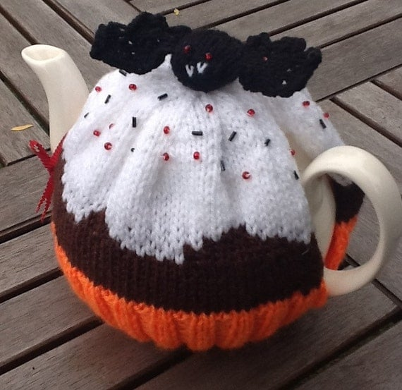 Halloween Tea Cosy hand knitted - Cupcake with Vampire Bat