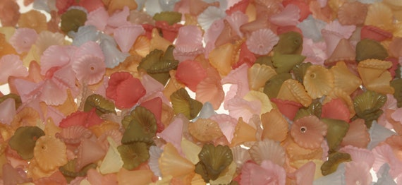 Bulk, Wholesale, Hand Dyed Lucite Flower Beads, Small Iris, Trumpet, Ruffle, 12mm, Soft Fall Mixed Colors, 200 plus pieces